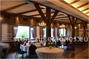 Holzdesignpaneel TRAVIESA im Landgasthaus mit rustikalem Ambiente